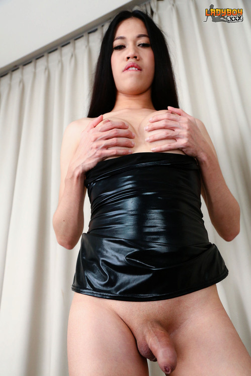 Jane - Jam, Hot Tgirl In Black! [HD 720p] (LadyboyXXX)
