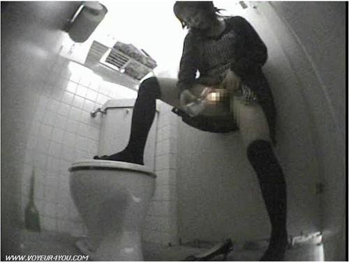 порнокамеры в туалете смотреть онлайн